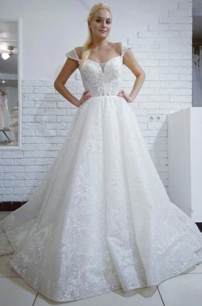 9ab4072f8e7 Мерцающее свадебное платье. Цена  14500 грн. Примерить. Фото Glitter