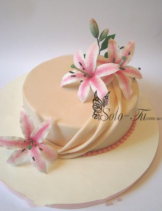Торт с лилиями и розами фото